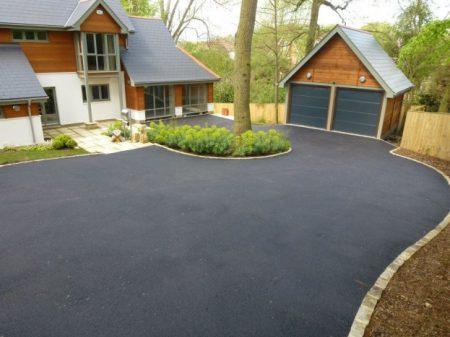 An average sized tarmac driveway
