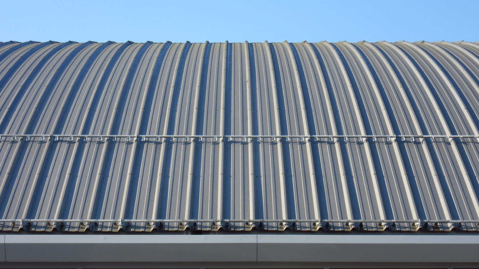 sheet-metal-roof-1325466_1920
