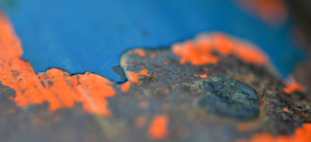 Paint Removal Guide: Caustic vs Solvent Based Paint Remover