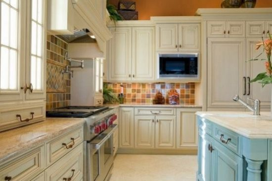 Classic vintage style kitchen decor